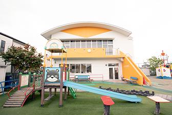 北方幼稚園の園舎と園庭